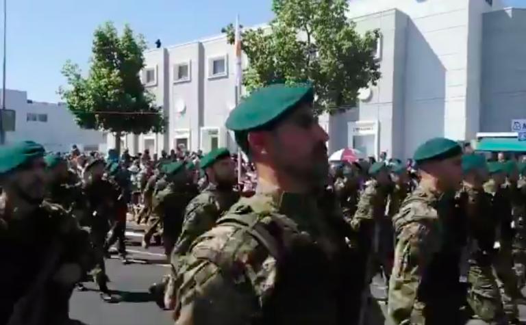 """Κύπριοι καταδρομείς παρέλασαν φωνάζοντας:"""" ΕΛΛΑΣ-ΕΛΛΑΣ-ΣΚΕΠΑΣΕ ΚΙ ΕΜΑΣ"""". Βίντεο"""