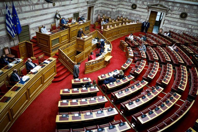 Κατατέθηκε στη Βουλή το εργασιακό νομοσχέδιο – Δείτε αναλυτικά τι προβλέπει