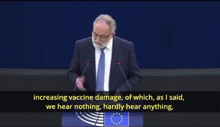 «Επιτέλους σταματήστε το πείραμα με τα εμβόλια» – «Καταπέλτης» ευρωβουλευτής στην Ευρωβουλή (βίντεο)